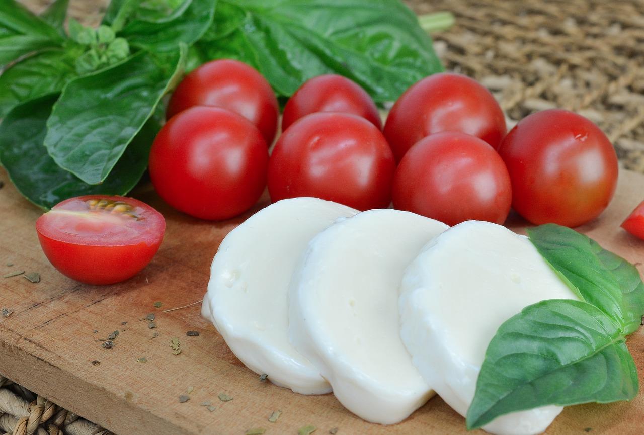 Tomato, Mozzarella and Basil Starter Dish